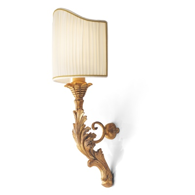 Sconce with leaf carving